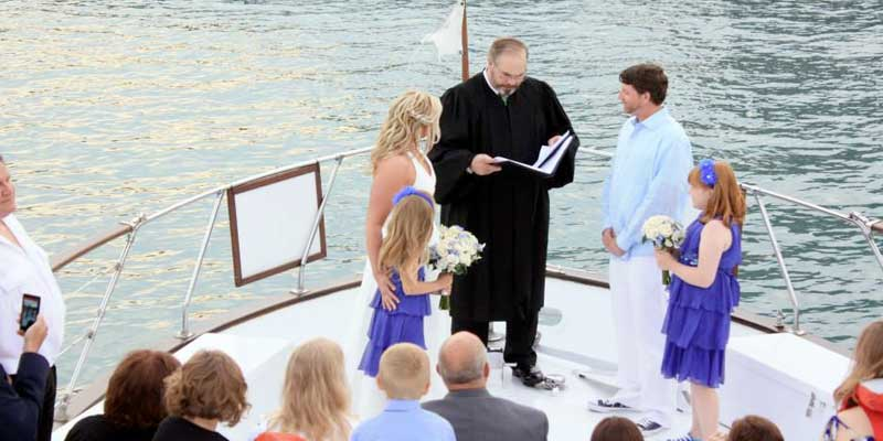 Chicago boat rental for weddings